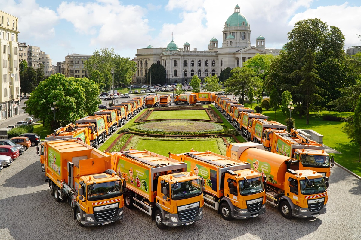 DAF-Trucks-delivers-44-city-sanitation-vehicles-to-Belgrade